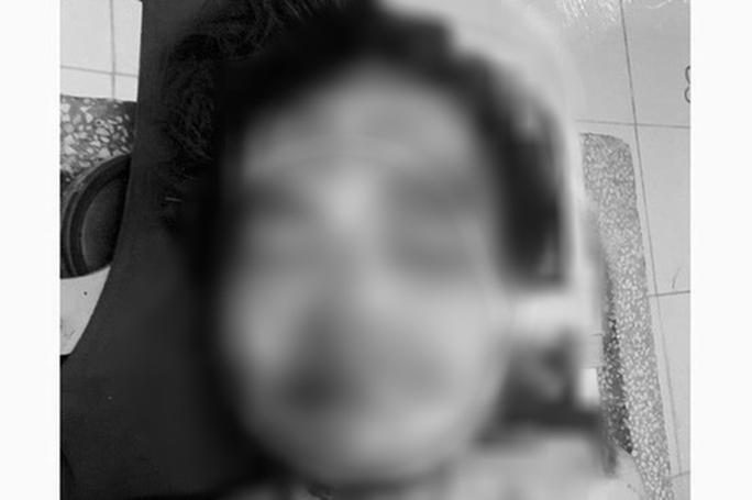 Tìm danh tính người đàn ông bị tàu hỏa tông tử vong trong đêm - Ảnh 1.