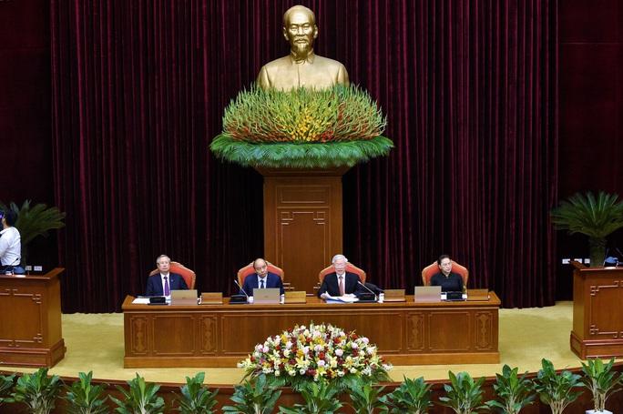 Bế mạc Hội nghị Trung ương 12, quyết định phương hướng nhân sự khóa XIII - Ảnh 1.