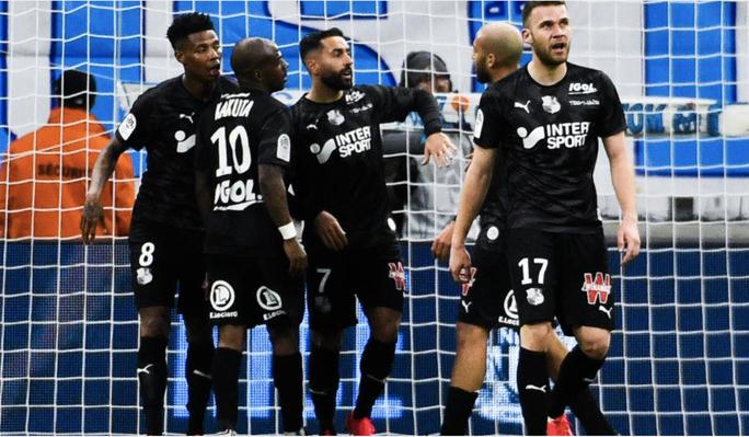 Hủy bỏ mùa giải sớm, Ban tổ chức Ligue 1 sắp hầu tòa - Ảnh 2.