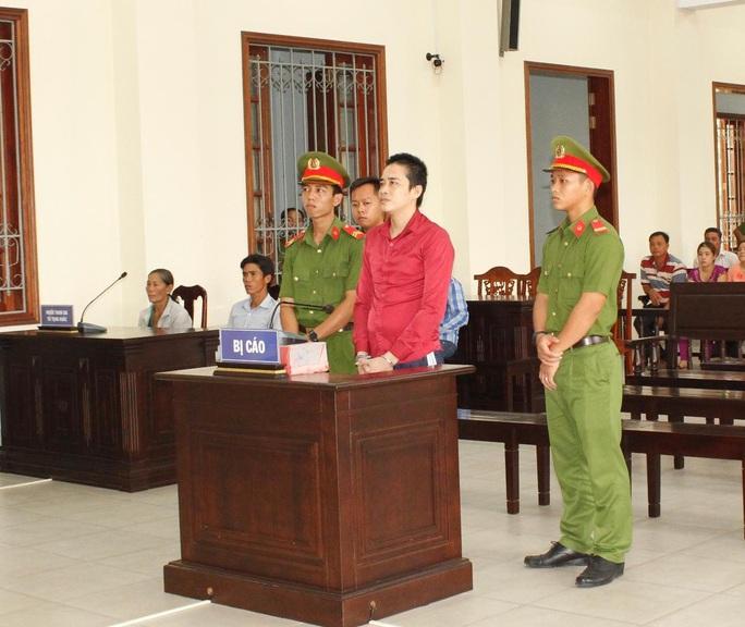 Nghịch tử sát hại mẹ già 72 tuổi bị tuyên án tử - Ảnh 1.