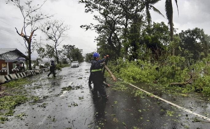 Philippines: Bão Vongfong thổi bay nhà cửa - Ảnh 1.