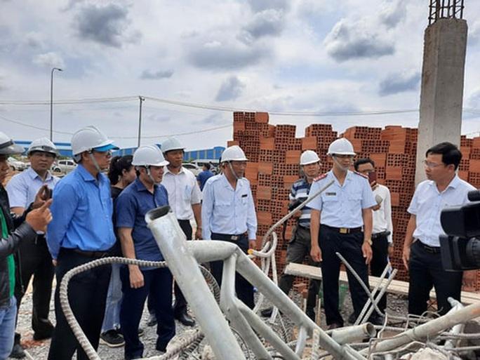 Vụ sập công trình làm 10 người chết ở Đồng Nai: Bắt giam giám đốc và 3 nhân viên nhà thầu - Ảnh 1.