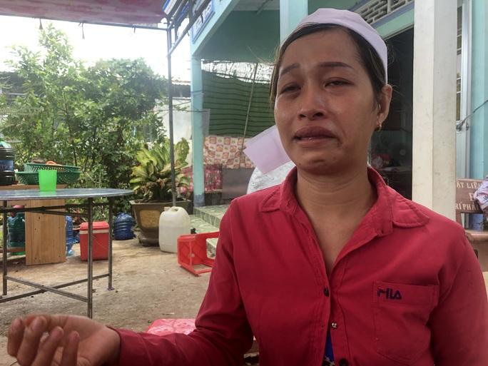 Sập tường khiến 10 người chết ở Đồng Nai: Chìm trong tang tóc - Ảnh 2.