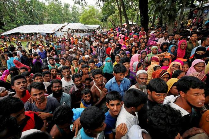 Trại tị nạn lớn nhất thế giới dính Covid-19 - Ảnh 1.