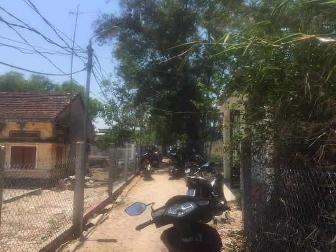 Quảng Nam: Cô gái chết nghi bị bóp cổ, mất dây chuyền, nhẫn vàng - Ảnh 2.