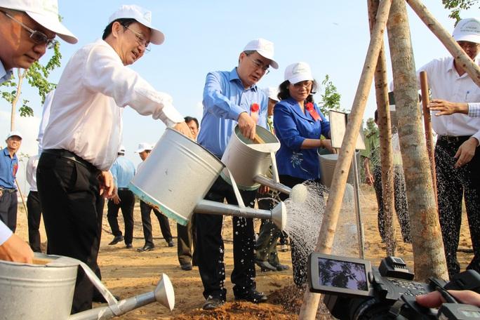 TP HCM phát động Tết trồng cây nhớ ơn Bác Hồ - Ảnh 4.