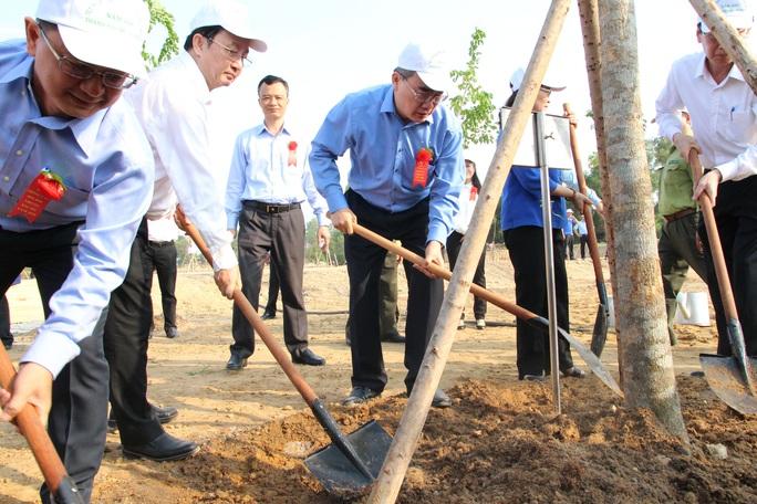 TP HCM phát động Tết trồng cây nhớ ơn Bác Hồ - Ảnh 1.