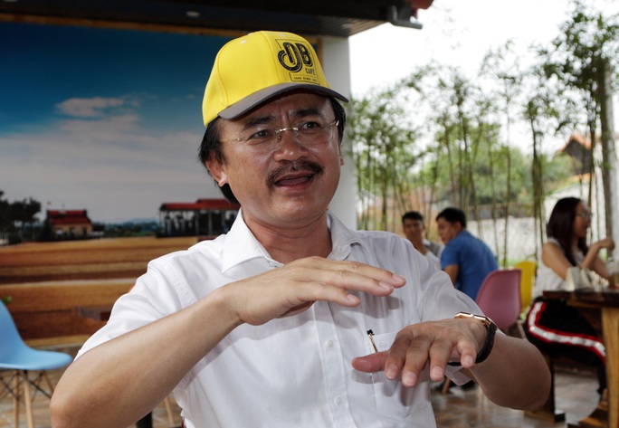Bầu Thắng và câu chuyện công nhân uống cà phê, nuôi bóng đá trẻ Việt Nam - Ảnh 3.