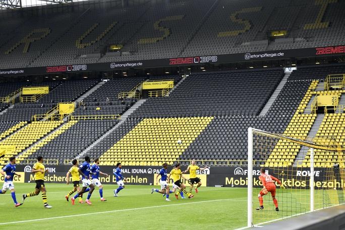 Sát thủ Haaland rực sáng, Dortmund đại thắng derby Bundesliga - Ảnh 3.