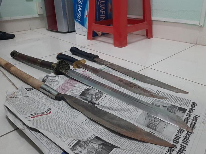 Khởi tố 6 kẻ liên quan vụ chém chết người ở Quy Nhơn - Ảnh 1.