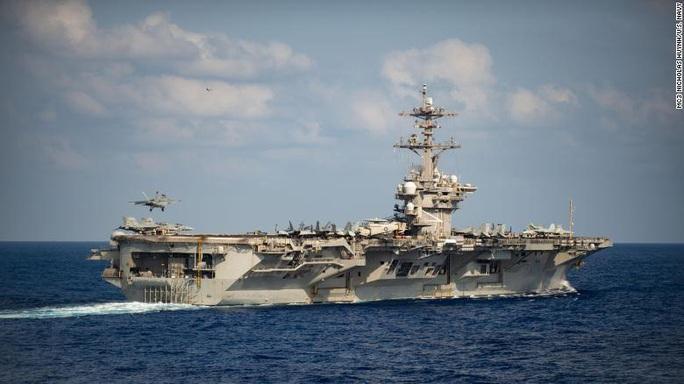 Thoát gọng kìm Covid-19, thêm tàu sân bay Mỹ sẵn sàng ra khơi - Ảnh 1.
