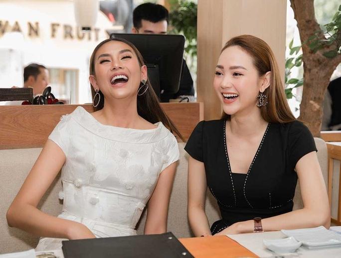 Siêu mẫu Võ Hoàng Yến nói về mối bất hòa với giới showbiz - Ảnh 4.