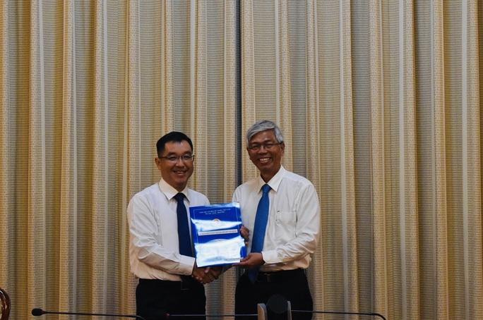 UBND TP HCM điều động, bổ nhiệm lãnh đạo cấp sở - Ảnh 1.