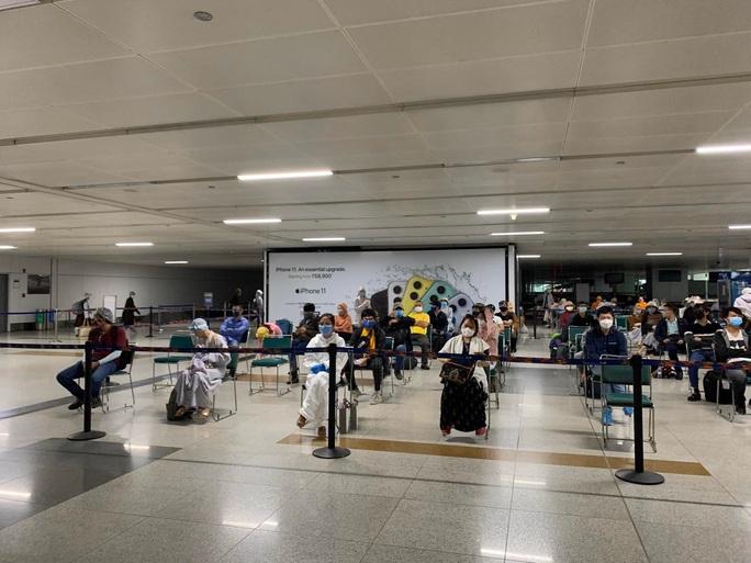 Chuyến bay đưa 340 công dân từ Ấn Độ về nước hạ cánh tại sân bay Cần Thơ - Ảnh 3.