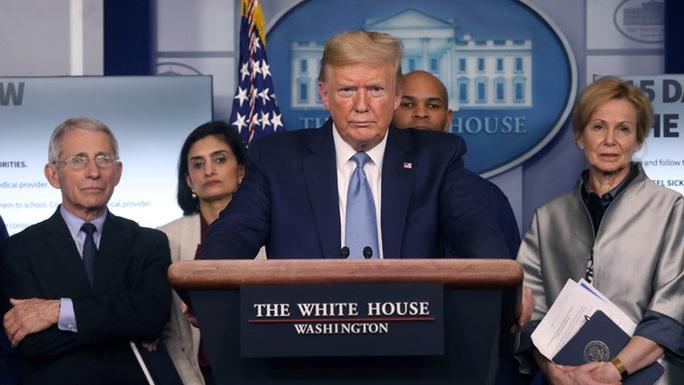 Covid-19: Tổng thống Trump lại chỉ trích WHO, quan chức Mỹ vỗ mặt Trung Quốc - Ảnh 1.