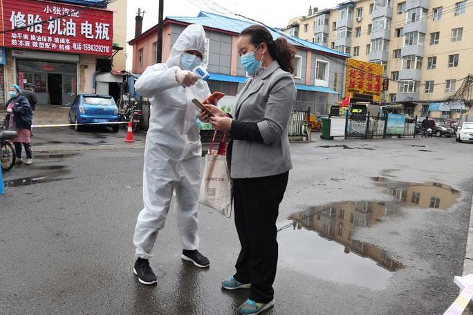 Trung Quốc lo làn sóng Covid-19 thứ 2 - Ảnh 1.