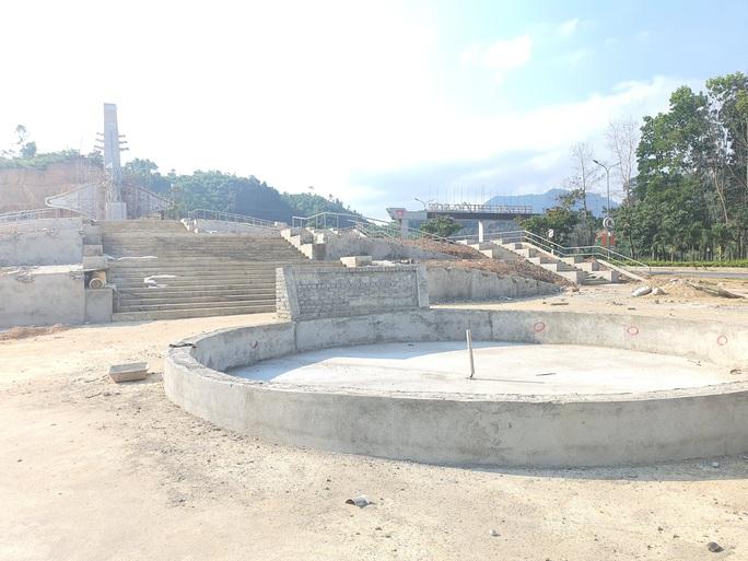 Huyện miền núi xây tượng đài 14 tỉ đồng: Không để xảy ra tiêu cực - Ảnh 3.