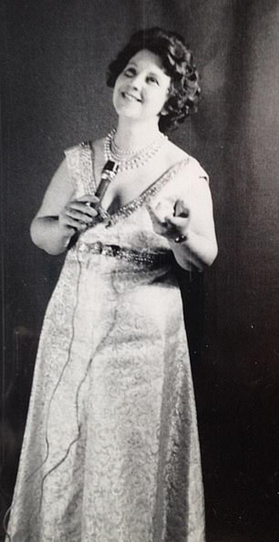 Cụ bà 96 tuổi vẫn thi Tìm kiếm tài năng Anh - Ảnh 3.
