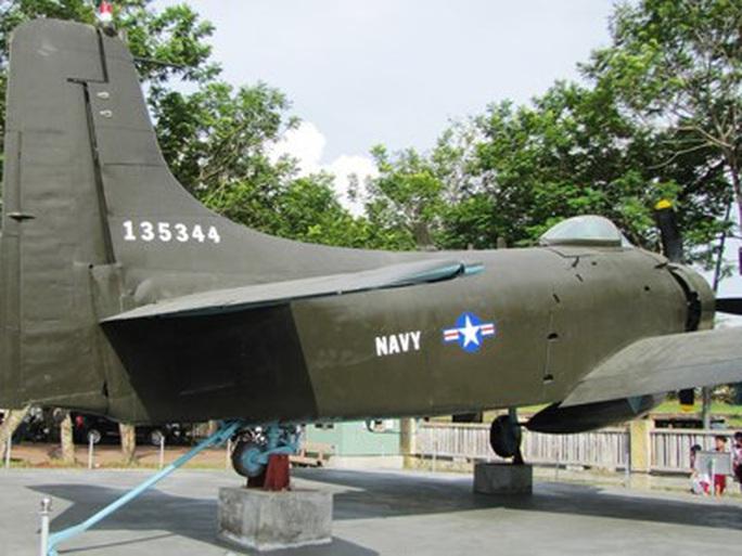 Đưa xe tăng, máy bay... ở bảo tàng ra khỏi kinh thành Huế bằng cách nào? - Ảnh 4.