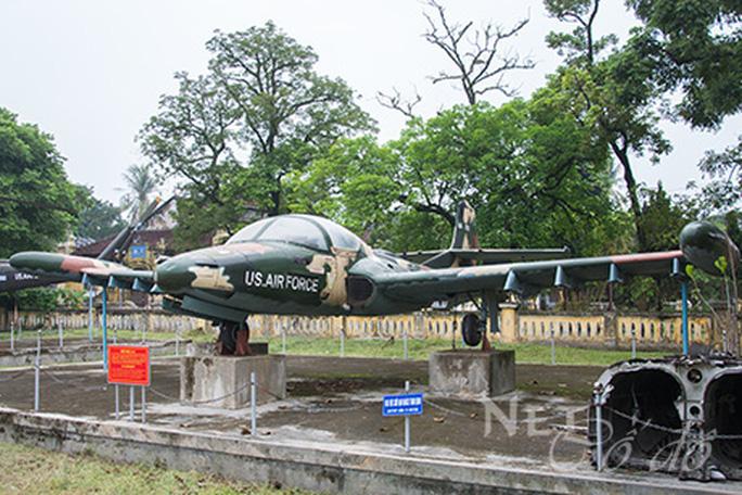 Đưa xe tăng, máy bay... ở bảo tàng ra khỏi kinh thành Huế bằng cách nào? - Ảnh 1.