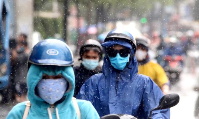 TP HCM mưa trắng trời, rốn ngập Nguyễn Hữu Cảnh lại... ngập! - Ảnh 11.