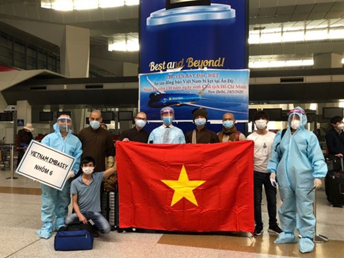 Đưa 340 công dân Việt Nam từ Ấn Độ về nước - Ảnh 1.