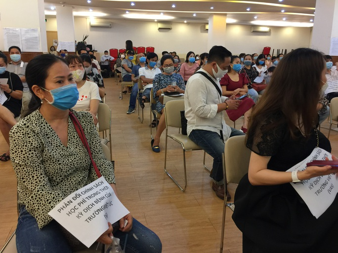 Giám đốc Sở GD-ĐT TP HCM phải làm việc với Trường Việt Úc về bức xúc của phụ huynh - Ảnh 1.