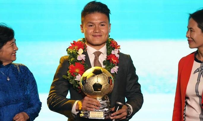 Giải thưởng Quả bóng Vàng Việt Nam 2019: Cuộc đua của các cầu thủ Hà Nội FC? - Ảnh 1.
