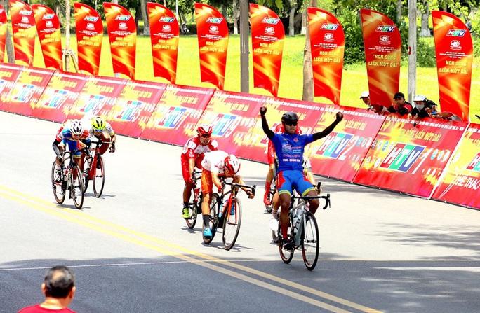 Nguyệt Minh tiếp tục gặp sự cố, Tấn Hoài lấy lại Áo vàng Cúp truyền hình TP HCM 2020 - Ảnh 2.