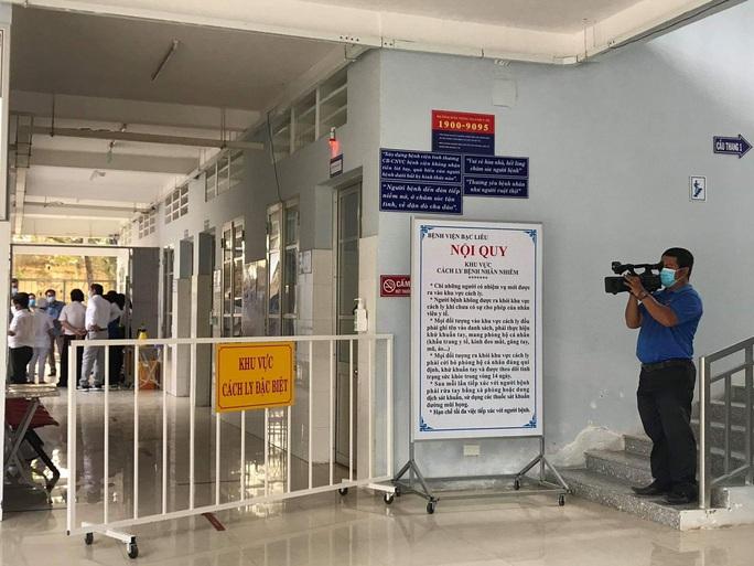 NÓNG: Khu cách ly ở Bạc Liêu để lọt người vào bán hàng rong cho bệnh nhân Covid-19 - Ảnh 1.