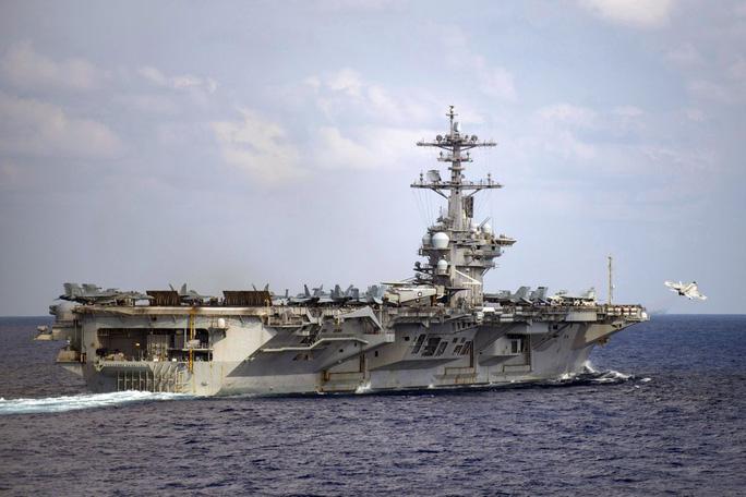 """Mỹ đưa """"quái vật ném bom"""" tới gần Trung Quốc - Ảnh 2."""