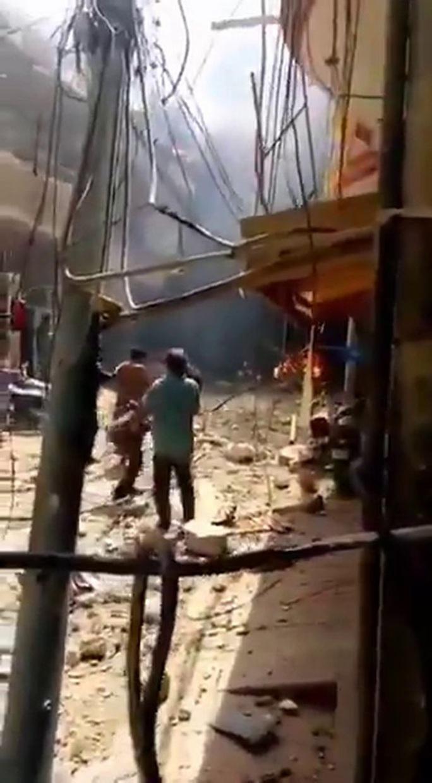 Còn 1 phút hạ cánh, máy bay chở hơn 100 người rơi xuống khu dân cư - Ảnh 2.