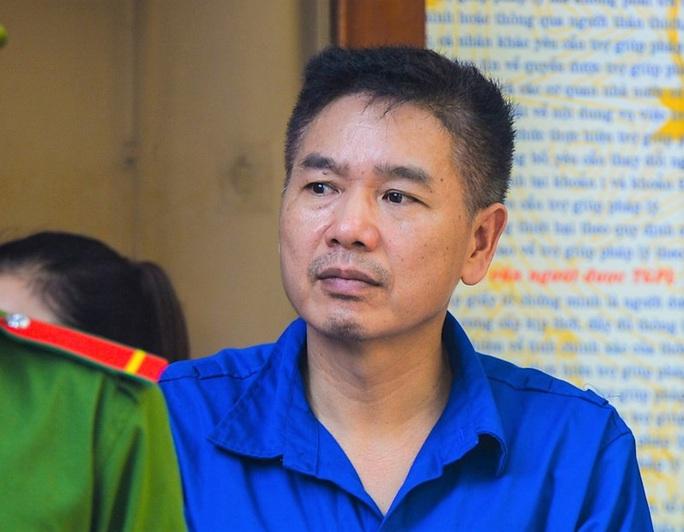 Nguyên phó giám đốc Sở GD-ĐT Sơn La chối tội - Ảnh 1.