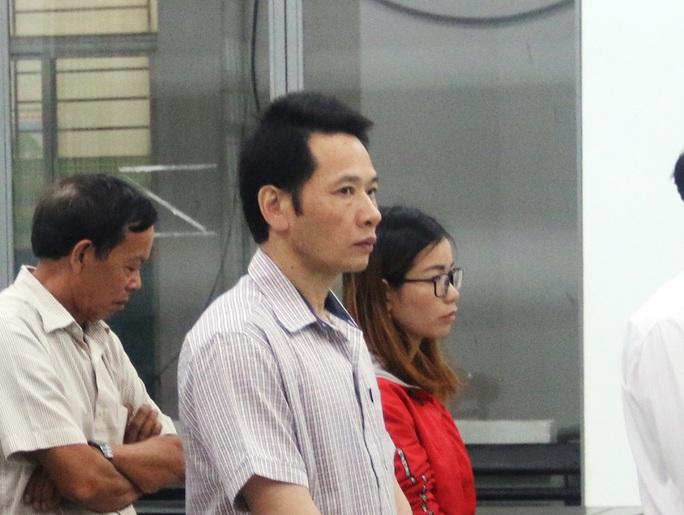 Phúc thẩm vụ tham ô tiền chống hạn ở Khánh Hòa: 10/11 bị cáo giảm án - Ảnh 1.