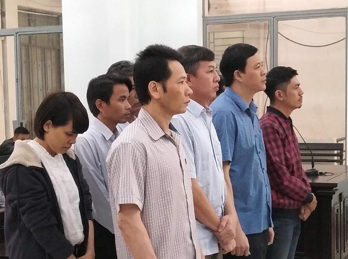 Phúc thẩm vụ tham ô tiền chống hạn ở Khánh Hòa: 10/11 bị cáo giảm án - Ảnh 2.