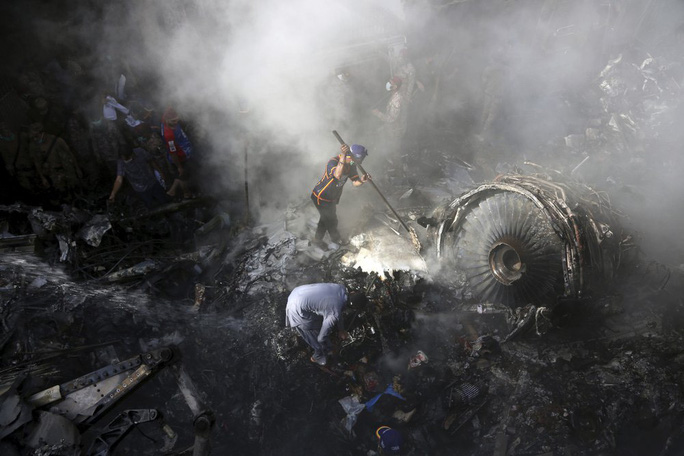 Máy bay Pakistan rơi: Nhiều nghi vấn trong đoạn ghi âm - Ảnh 5.