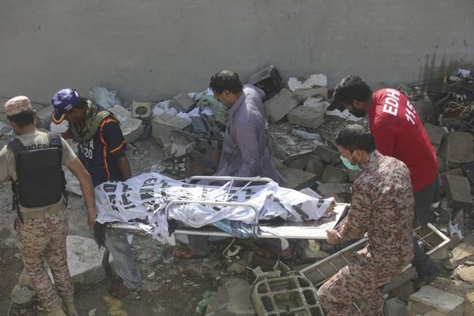Máy bay Pakistan rơi: Nhiều nghi vấn trong đoạn ghi âm - Ảnh 7.