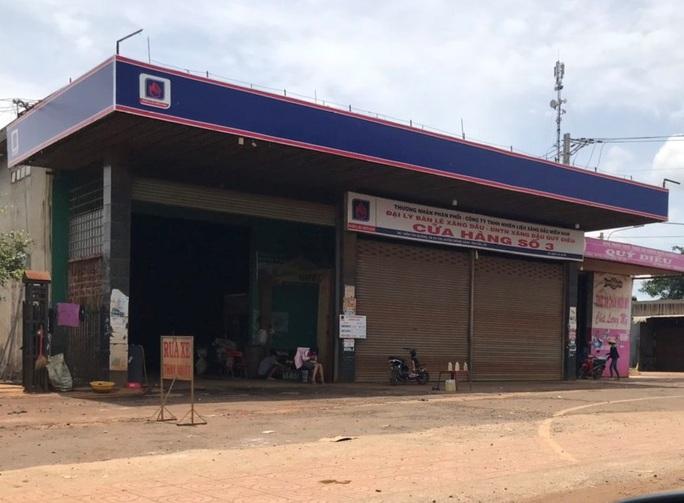 Hàng loạt cửa hàng xăng dầu Đắk Lắk đóng cửa vì hết xăng! - Ảnh 3.