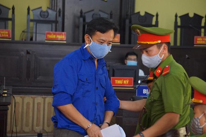 Gian lận điểm thi ở Sơn La: 2 bị cáo nhận tiền tỉ để nâng điểm thi bị đề nghị 23-25 năm tù - Ảnh 1.