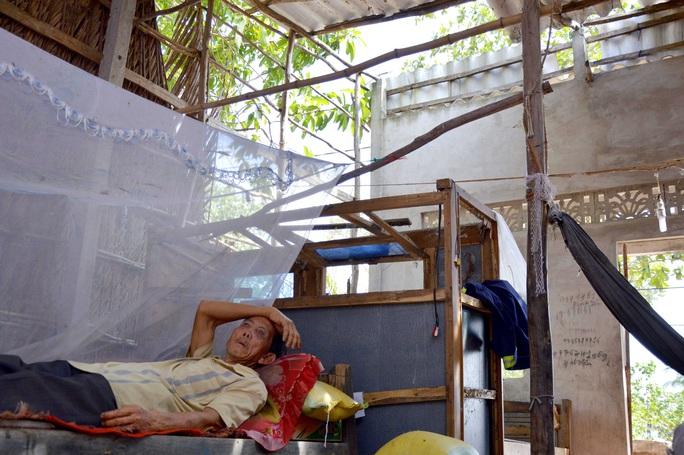 Cụ ông 74 tuổi sống đơn độc trong căn nhà rách nát, cần được giúp đỡ - Ảnh 5.