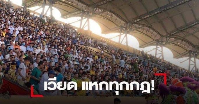 Báo chí Thái sốc vì khán giả không đeo khẩu trang, chen kín khán đài Thiên Trường  - Ảnh 2.