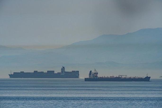 Phớt lờ cảnh báo Mỹ, tàu chở dầu Iran đến Venezuela - Ảnh 2.