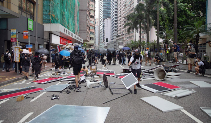 Người Hồng Kông biểu tình phản đối dự luật an ninh - Ảnh 2.