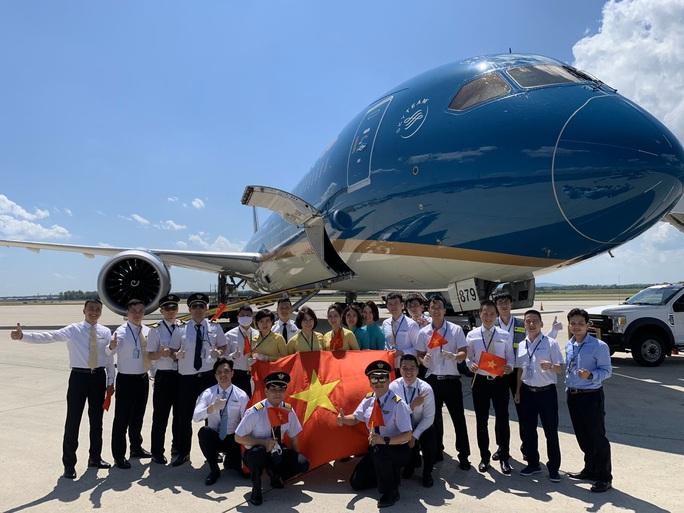 Đưa hơn 340 người Việt từ Washington DC về Nội Bài - Ảnh 12.