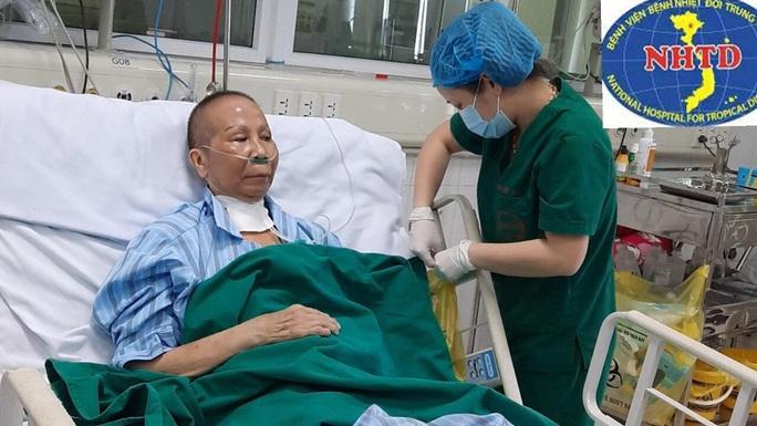 Nhiều lần ngừng tuần hoàn, bác gái bệnh nhân 17 khỏi bệnh sau gần 3 tháng mắc Covid-19 - Ảnh 7.