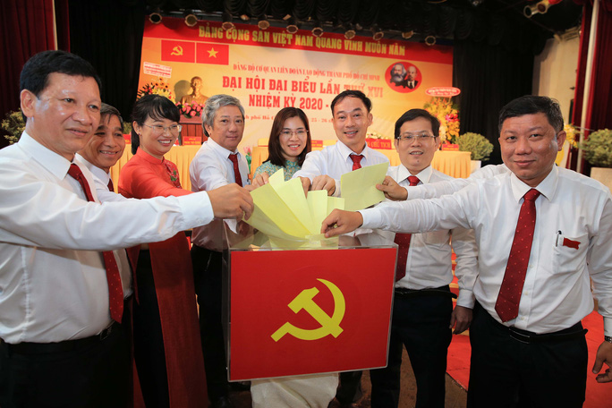 Bà Trần Thị Diệu Thúy tiếp tục được bầu giữ chức Bí thư Đảng ủy Cơ quan LĐLĐ TP HCM - Ảnh 3.
