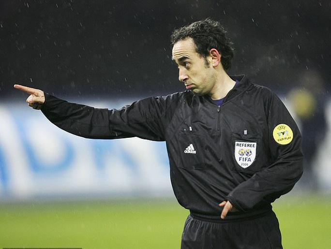 Tiết lộ sốc: 90% trọng tài Tây Ban Nha thiên vị Real Madrid - Ảnh 1.