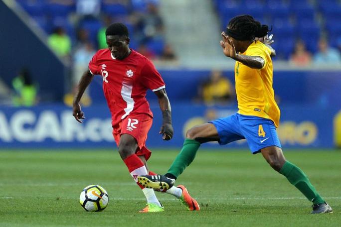 Alphonso Davies: Cậu bé Ghana di dân tỏa sáng ở Bundesliga - Ảnh 6.