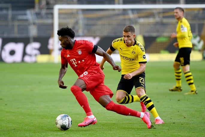 Alphonso Davies: Cậu bé Ghana di dân tỏa sáng ở Bundesliga - Ảnh 2.