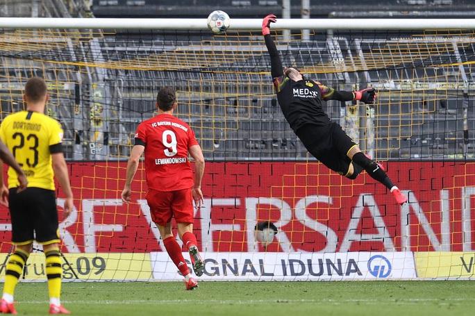 Kimmich lập siêu phẩm, Bayern Munich đè Dortmund ở siêu kinh điển - Ảnh 5.